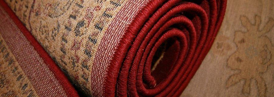 Odkształcenia na dywanie